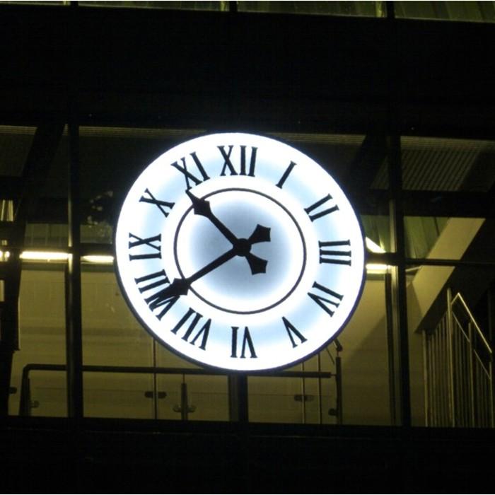 Zegar wieżowy podświetlany